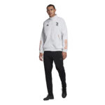 FR4203_APP_on-model_standard-outfit_white